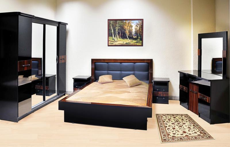 Спальные гарнитуры: Черный акриловый